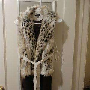 XOXO NWT Faux Cheetah Fur Lined Vest